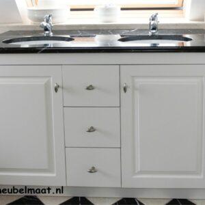 Badkamermeubel met marmer natuursteen