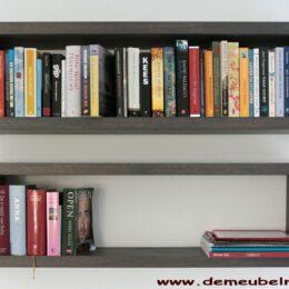 Boekenkastje met onzichtbaar ophangsysteem
