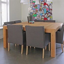 Grote vierkante tafel voor 8 personen