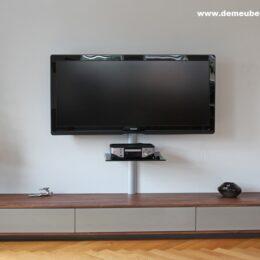 Noten tv kast met in kleur gespoten fronten