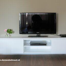 tv kast wit gespoten MDF