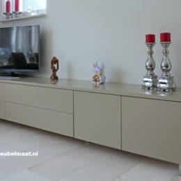 tvkast-dressoir